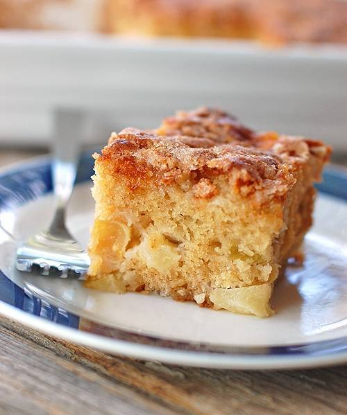 Post image for Cinnamon Sugar Apple Cake