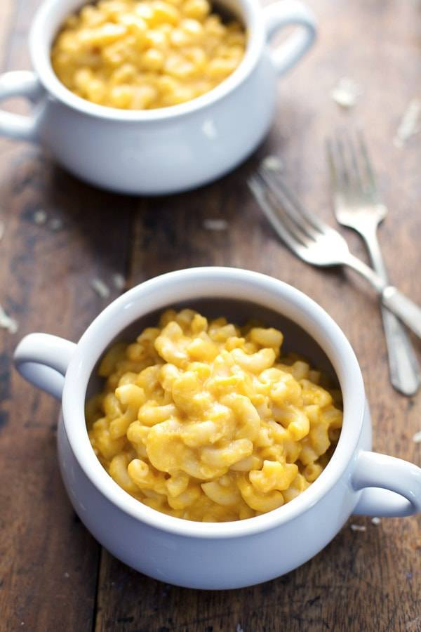 Healthy Mac and Cheese - feel-good comfort food made with wholesome ingredients. 350 calories.   pinchofyum.com
