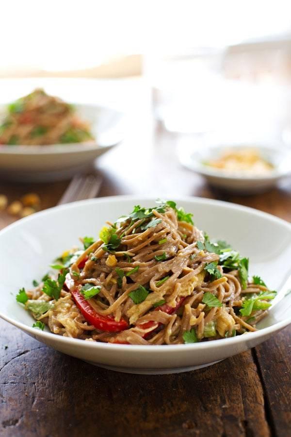 Spicy Peanut Chicken Soba Noodle Salad - Pinch of Yum