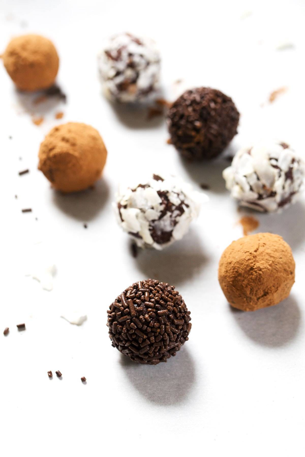 Inner Goddess Chocolate Truffles Recipe - Pinch of Yum