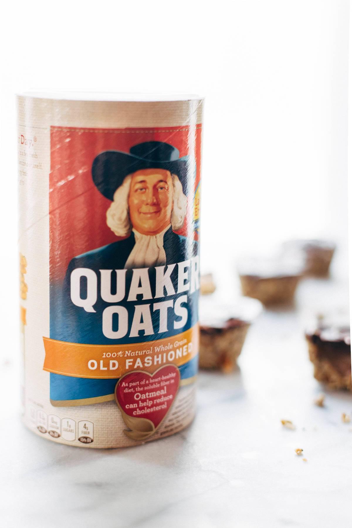 Old fashioned quaker oats.