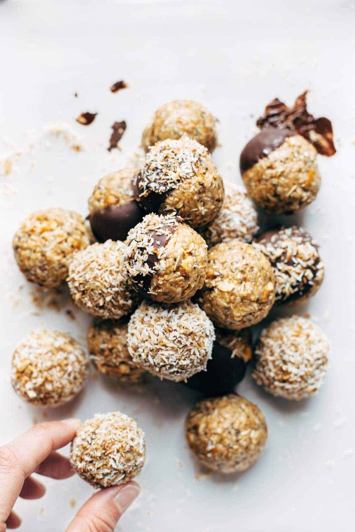 Energy bites with chocolate and coconut.