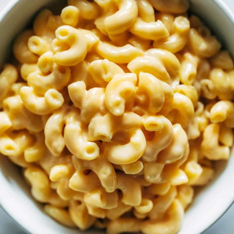 Creamy elbow macaroni and cheese in a bowl