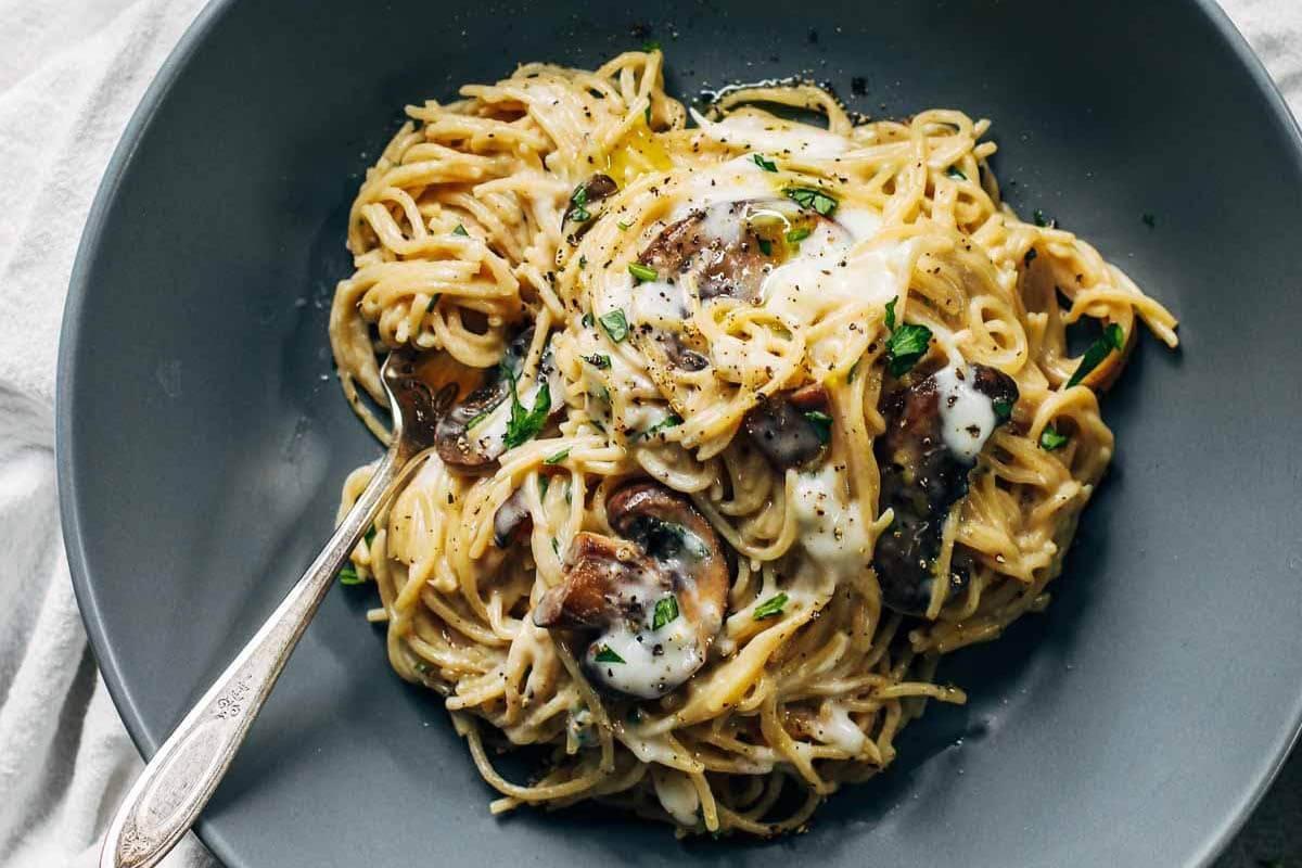 Mushroom Spaghetti in a grey bowl.