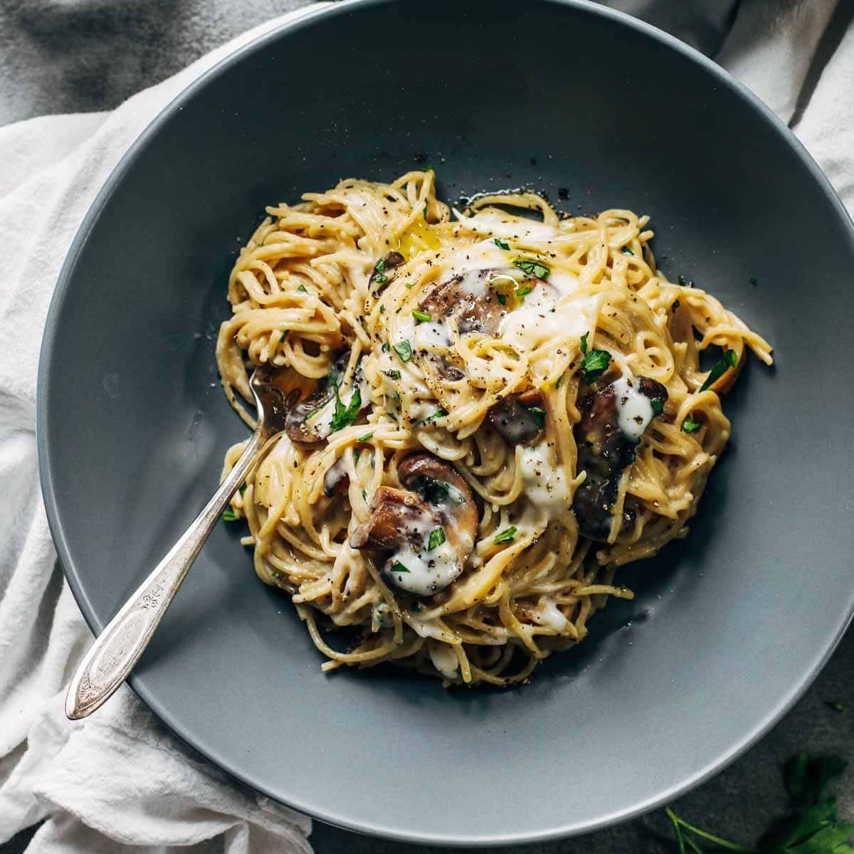 Creamy Garlic Herb Mushroom Spaghetti Recipe Pinch Of Yum